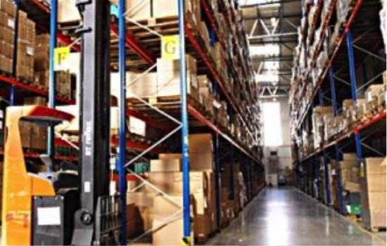 Logistique du groupe STORCH-CIRET. Il possède des centres logistiques ainsi que des centres de conditionnement modernes et automatisés dans le coeur de l'Europe.